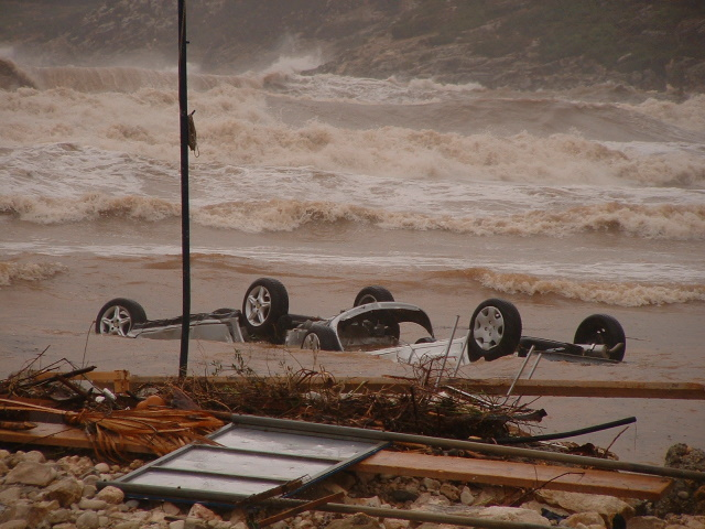 Yet more cars floating