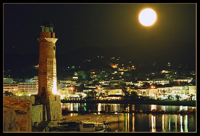 Full moon in Rethymnon