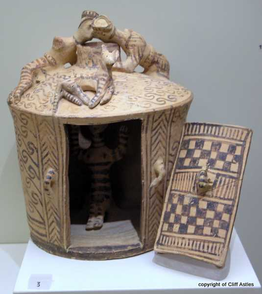 Not too sure, Trinket Box ?, but what art and creative skill